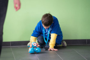 """Die Arbeitsgruppe """"Didaktik Aktuell"""" der Pädagogischen Hochschule Heidelberg bot unter dem Motto """"Mit Dash die Welt entdecken"""" eine Roboterprogrammierung für Kinder ab 9 Jahren an."""
