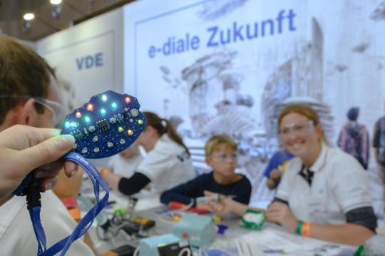VDE E-LAB live – Informieren und mitmachen